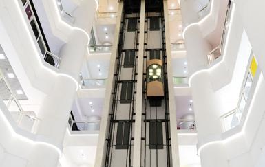 Как спасти себя, когда лифт падает